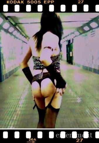 Sotto la metro a milano 2007.jpg